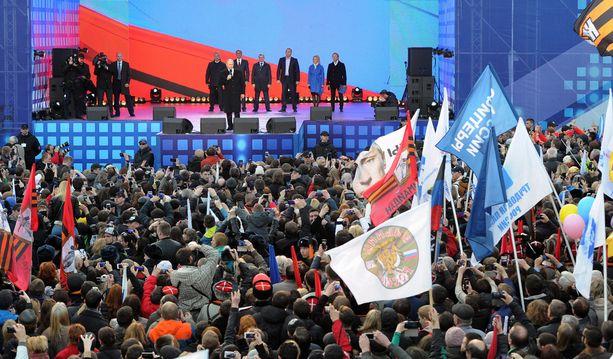 Virallisen tiedon mukaan paikalla oli noin 110 000 juhlijaa.