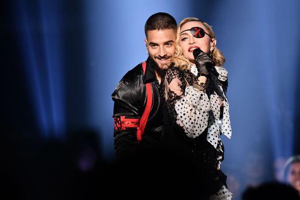 Madonna esiintymissä Las Vegasissa.