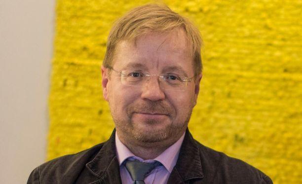 Jussi Hartikainen on toiminut eroauttamisen ja vanhemmuuden tukemisen parissa.