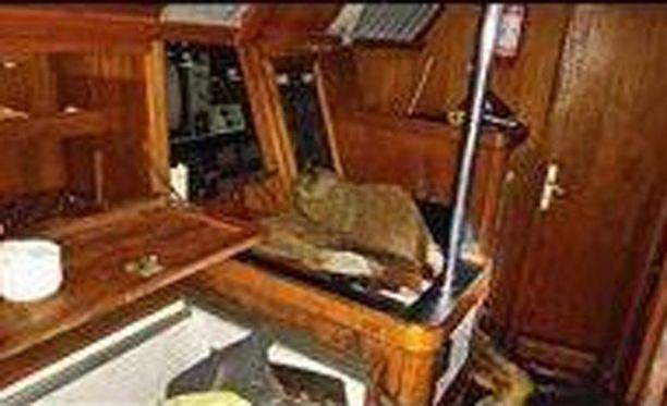 Bajorat löydettiin istumasta veneestä täysin muumioituneena.