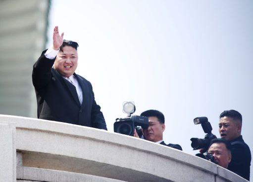 Kim Jong-un vilkutti kansalaisille, mutta ei pitänyt puheita.