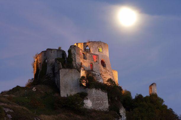Linna menetettiin ranskalaisille jo Rikhardin seuraajan Juhana Maattoman aikana.