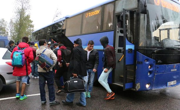 Turvapaikanhakijoita Torniossa.