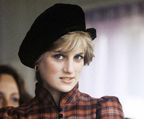 Diana muistelee illan dokumentissa, kuinka Charles olisi toivonut Williamin jälkeen tytärtä.