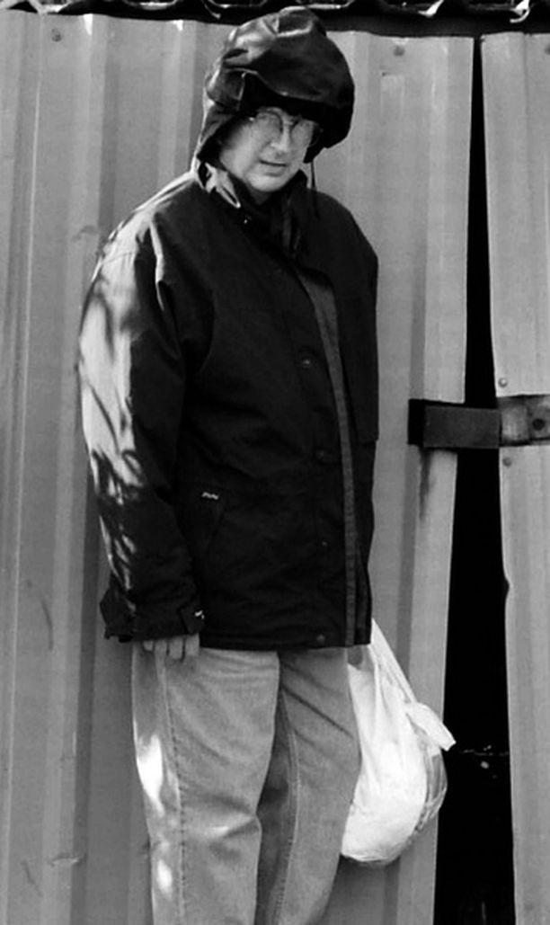 Ryysyistä rikkauksiin Muutama vuosi sitten kadulla asunut Stuart Sharp elelee nyt mukavasti Lontoon keskustassa.