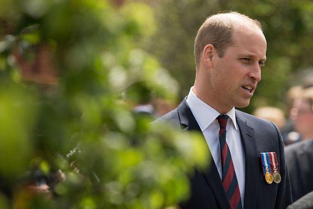 William vieraili torstaina kuntoutuskeskuksessa.