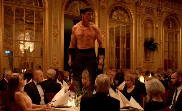 The Square on eurooppalaista taide-elokuvaa parhaimmillaan ja valitettavasti myös hölmöimmillään.