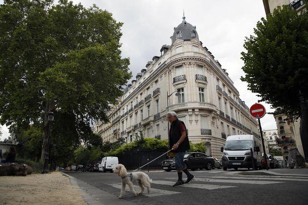 Jeffrey Epstein omisti tämän  talon Pariisin 16. kaupunginosassa.