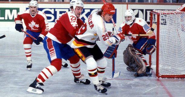 Peter Schiller (29) taisteli 1983 MM-kisoissa Kanadan Bob Gaineyn kanssa.