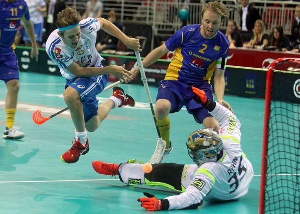 Peter Kotilainen teki MM-finaalissa kaksi vuotta sitten kaksi maalia Ruotsin verkkoon.