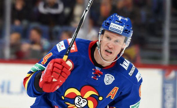 Ossi Väänänen pelasi kauden ensimmäisen ottelun tänään.
