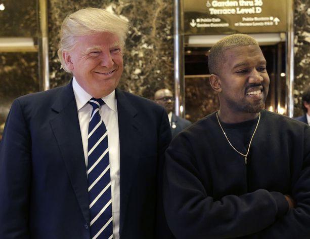 Donald Trump ja Kanye West tapasivat Trump Towerissa tiistaina.