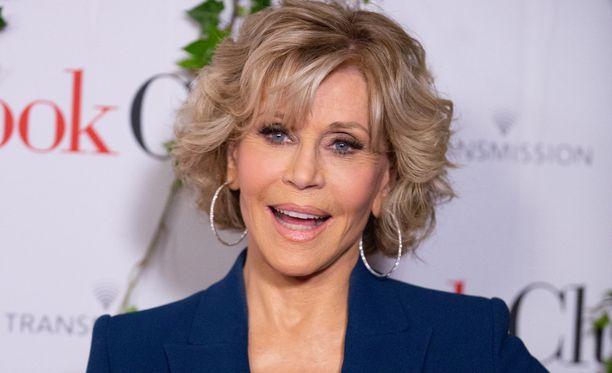 Jane Fondan mukaan erityisesti naisten seksielämä paranee vanhetessa. Yksi syy on miesten tahdin hidastuminen.