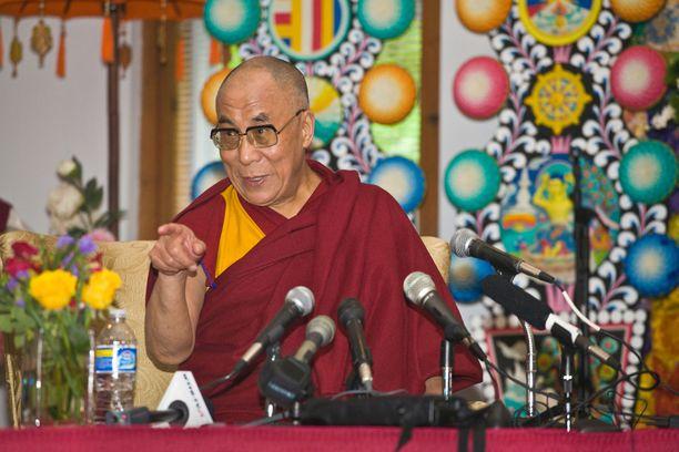 Dalai-lama otti BBC:n haastattelussa kantaa myös brexitiin ja Euroopan pakolaistilanteeseen.