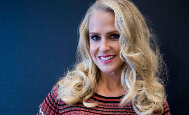 Joanna Kuvaja on ex-perintöprinsessa ja jo myös monista televisio-ohjelmista tuttu.