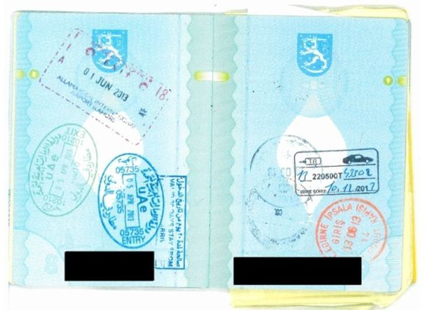 Yksi syytetyistä palasi Syyriasta vuonna 2013. Hänen passissaan oli leimoja ulkomaanmatkasta.