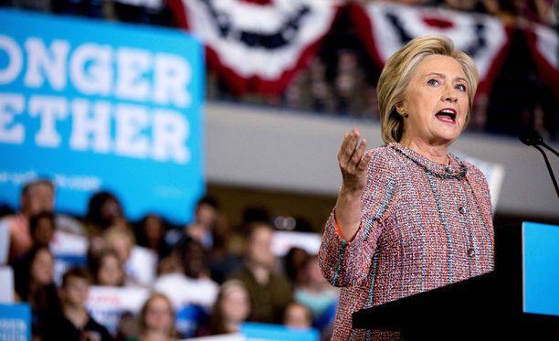 Demokraattien presidenttiehdokas Hillary Clinton puhui torstaina kannattajilleen Pohjois-Carolinassa.