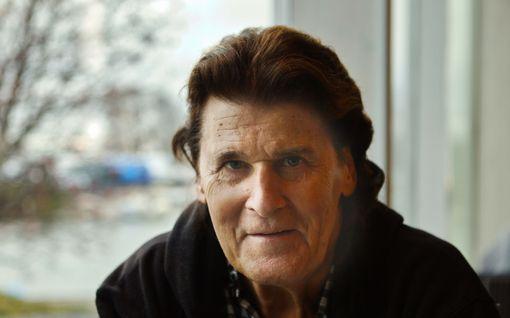 Koronatartuntaa epäillyt Frederik, 75, ei päässyt testeihin - terveydentilassa muutos