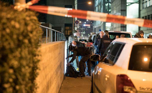 Poliisi eristi alueen tapahtumien jälkeen.