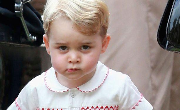 Prinssi George jatkaa isänsä jalanjäljissä samassa päiväkodissa.