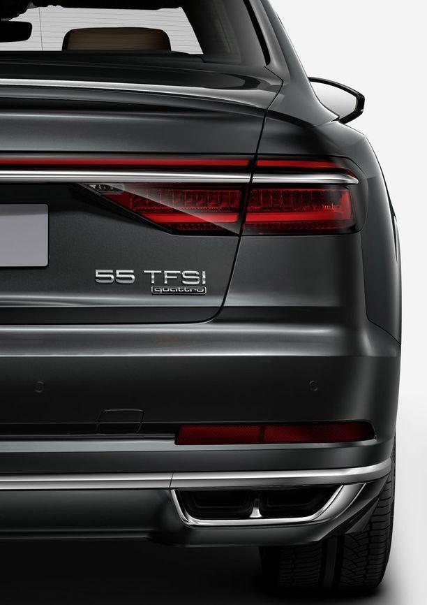 Tämä mallimerkintä kertoo, että auton moottori tuottaa 245-275 kW:n (130 - 373 hv) tehot.