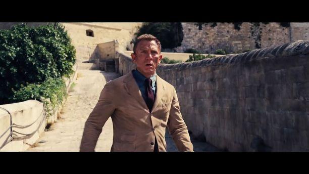 Daniel Craig suostui vielä kerran palaamaan James Bondin rooliin elokuvassa No Time to Die.