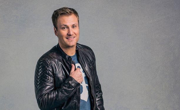 Heikki Paasosesta tulee laulukilpailun juontaja.