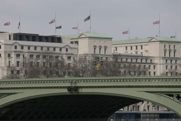 Syvällä Britannian puolustusministeriön päämajan alla sijaitsevassa bunkkerissa on jo nyt kovan brexitin varalta ryhmä, joka on valmis ohjaamaan 3 500 sotilaan valmiusjoukkoa.