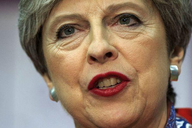 Theresa May koki karvaan tappion ennenaikaisissa parlamenttivaaleissa.