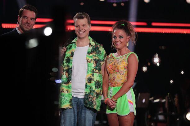 Hannes Suominen tanssi illan lähetyksessä Katri Mäkisen kanssa.