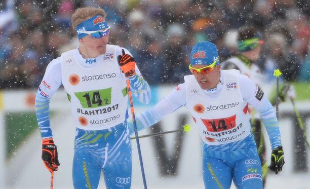 Iivo Niskanen ja Sami Jauhojärvi taistelevat pronssille miesten pariviestissä.