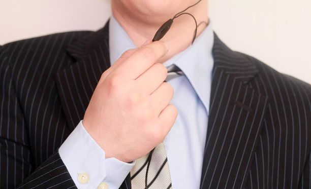 Puhelinmyyjän työ vaatii yleensä periksiantamatonta asennetta.