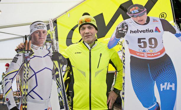 Vuodesta 1997 lähtien Suomessa asunut saksalainen Andreas Bennert loi One Wayn. Tallin suksilla hiihti muun muassa Sami Jauhojärvi. Aino-Kaisa Saarinen suosi suomalaisfirman sauvoja.