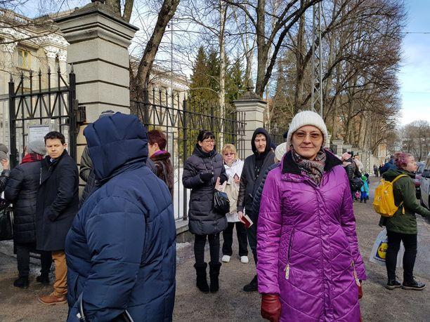 Marina kävi äänestämässä sunnuntaina Venäjän suurlähetystöllä Helsingissä.