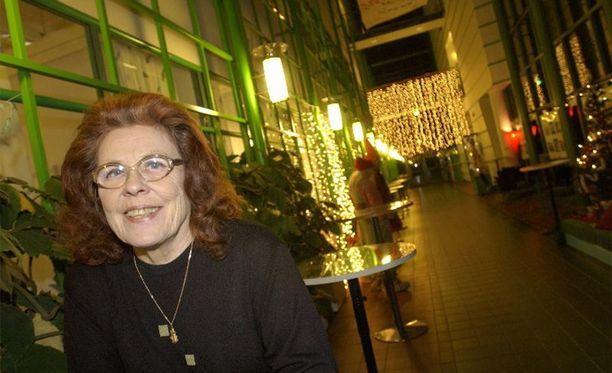 Legendaarinen iskelmälaulaja Annikki Tähti nautti laulamisesta.