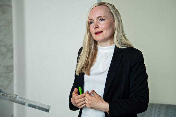 Sisäministeri Maria Ohisalo (vihr) pitää Porvoon poliisiampumisia hyökkäyksenä yhteiskuntaa vastaan.