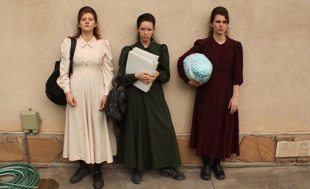 Uudessa sarjassa seurataan kaikkiaan kahdeksaa naista.