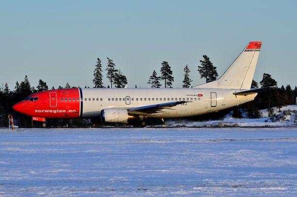 Norwegianin kone laskeutui perjantai-iltana kiitotielle, jossa oli jo Turkish Airlinesin kone. Kuvituskuva.