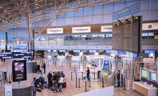 Lentoyhtiö ei voi ottaa matkustajaa koneeseen, jos hänellä ei ole kohdemaan vaatimia todistuksia.