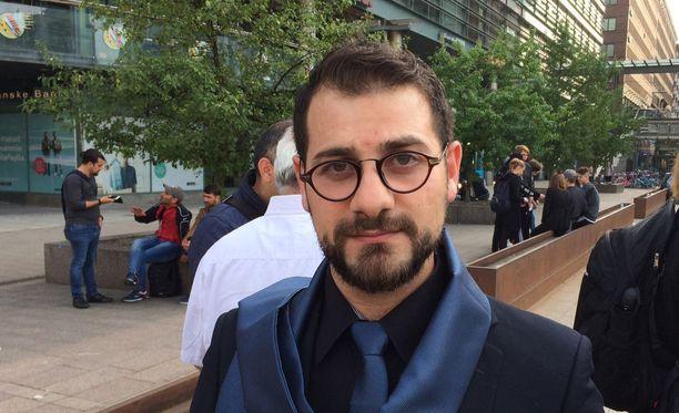 Narinkkatorilla oli paikalla myös Hasan Alazawii.