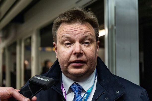 Harri Nummela kiittelee Leijonien hyviä otteita kolmessa ensimmäisessä ottelussa.