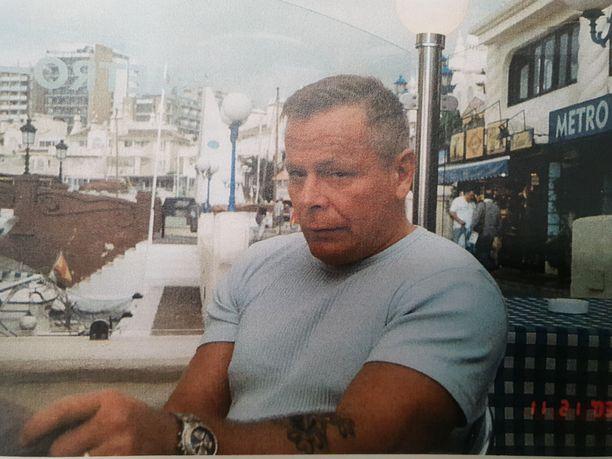 Vankilomalla ollut tunnettu ammattirikollinen Raimo Andersson surmattiin vaimonsa omistamassa talossa.
