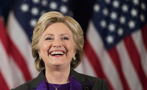 Clintonin kampanja tukee Vihreiden Jill Steinin vaatimaa uudelleenlaskentaa.