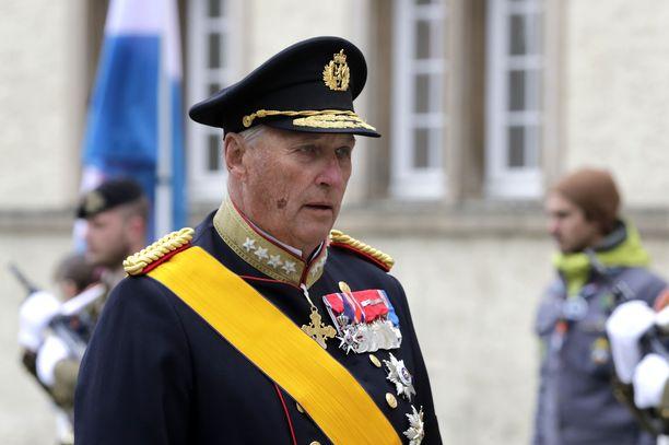 Sydänleikkauksessa ollut kuningas Harald voi hovin mukaan hyvin.