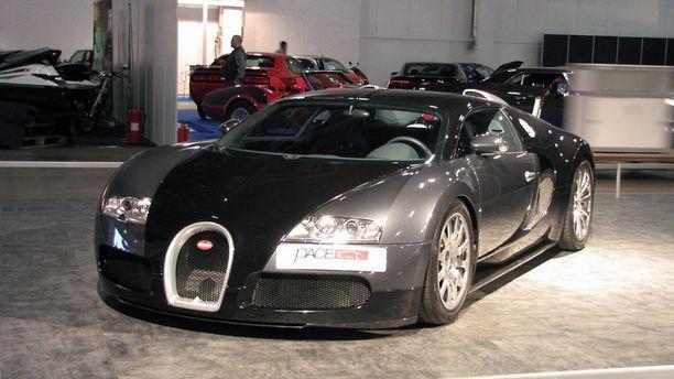 Bugatti Veyronilla on ajaettu alle 400 mailia.