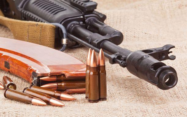Asemiehet hyökkäsivät nukkuvien asukkaiden kimppuun keskiviikkoiltapäivällä Metekelissä. Kuvituskuvaa.