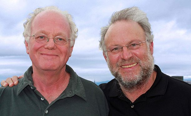 Ben Cohen (vas.) ja Jerry Greenfield pidätettiin Washingtonissa, kun he vastustivat rahan valtaa politiikassa.