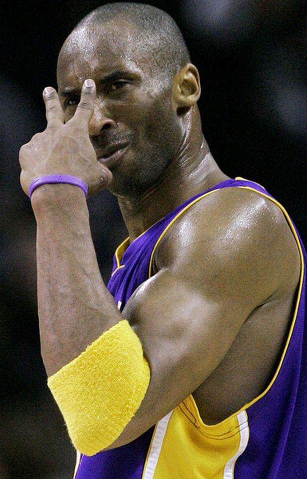 Koben käsimerkit kertovat kaiken oleellisen.