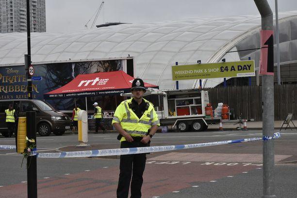 Poliisi on eristänyt iskupaikan ympäristön.
