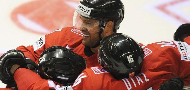 Sveitsi havittelee B-lohkon voittoa.
